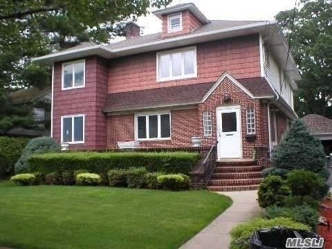 Residential For Rent in 258 Washington Ave, Cedarhurst, NY ,11516