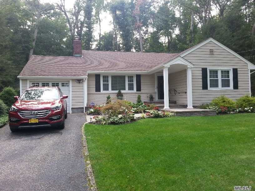 Residential For Sale in 36 Cold Spring Hill Road, Huntington, NY ,11743