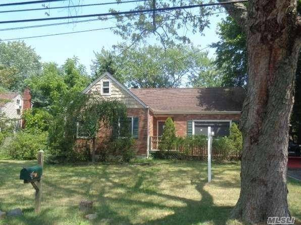 Residential For Sale in 23 Minerva Ln, Centereach, NY ,11720