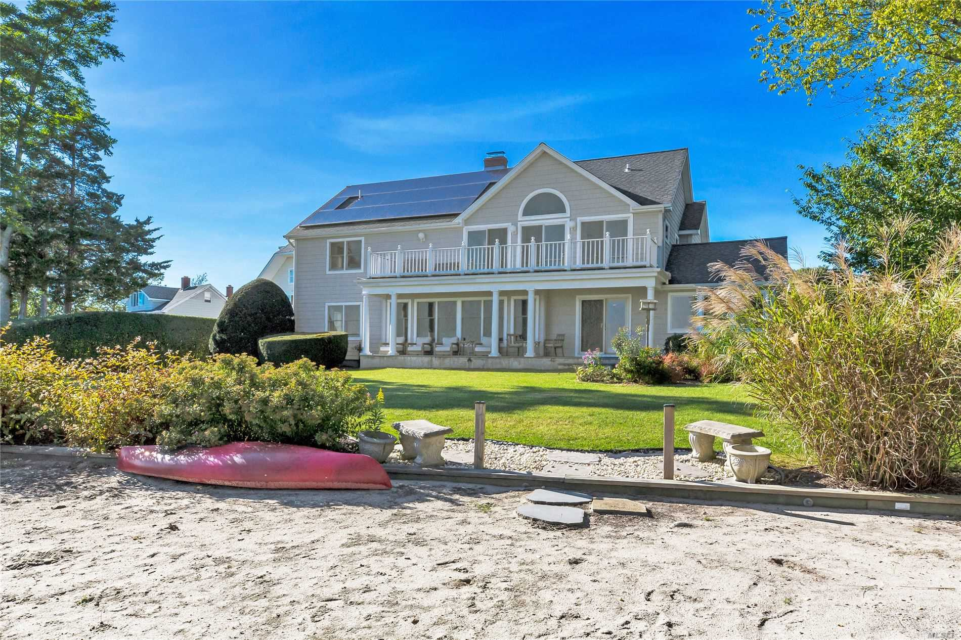 Residential For Sale in 53 Harbor Rd, Aquebogue, NY ,11931