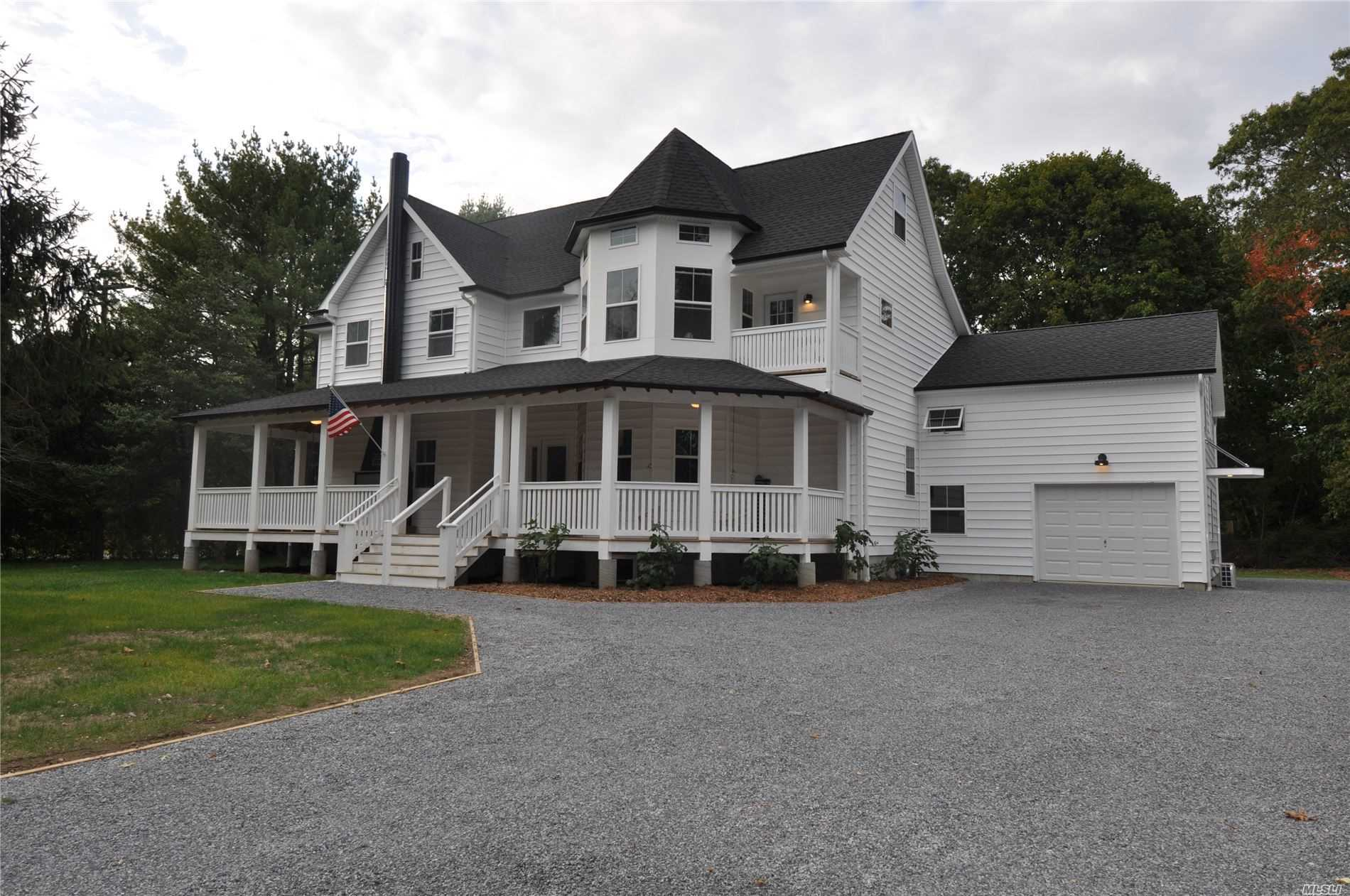 Residential For Sale in 1222 Townline Rd, Hauppauge, NY ,11788