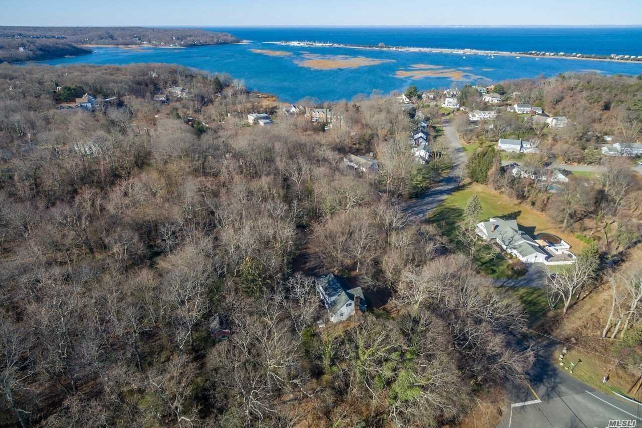 Residential For Sale in 267 Shore Rd, Mt. Sinai, NY ,11766