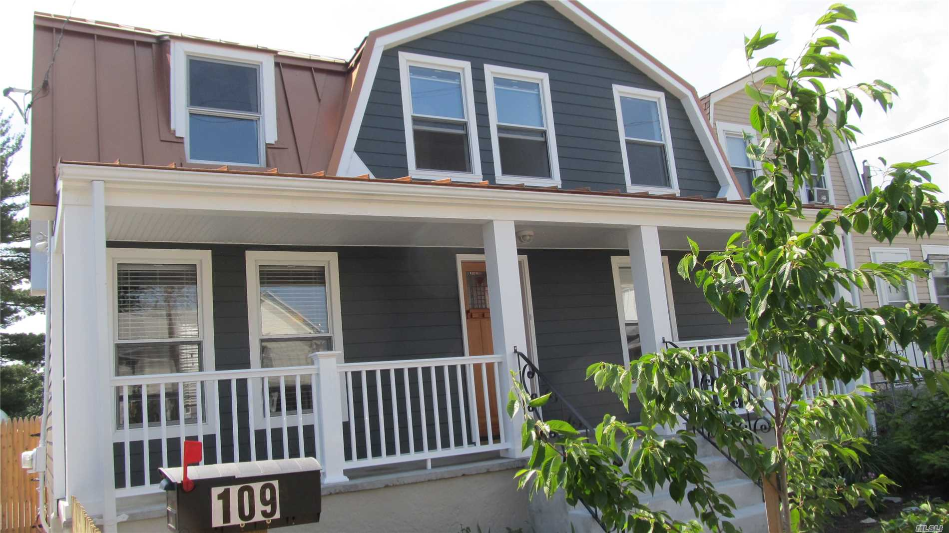 Residential For Sale in 109 Jeanette Ave, Inwood, NY ,11096