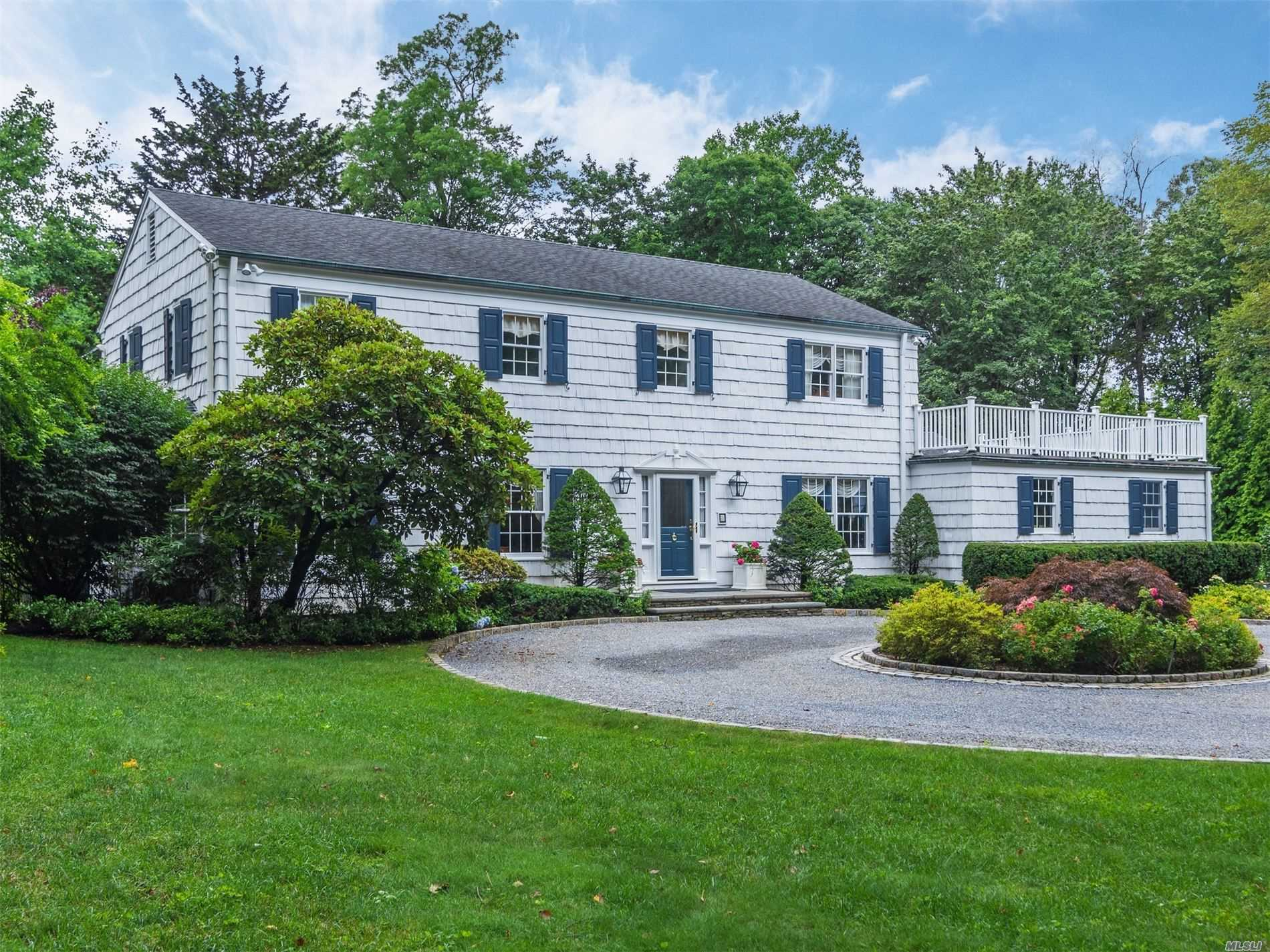 Residential For Sale in 1 Lewis Ln, Lattingtown, NY ,11560