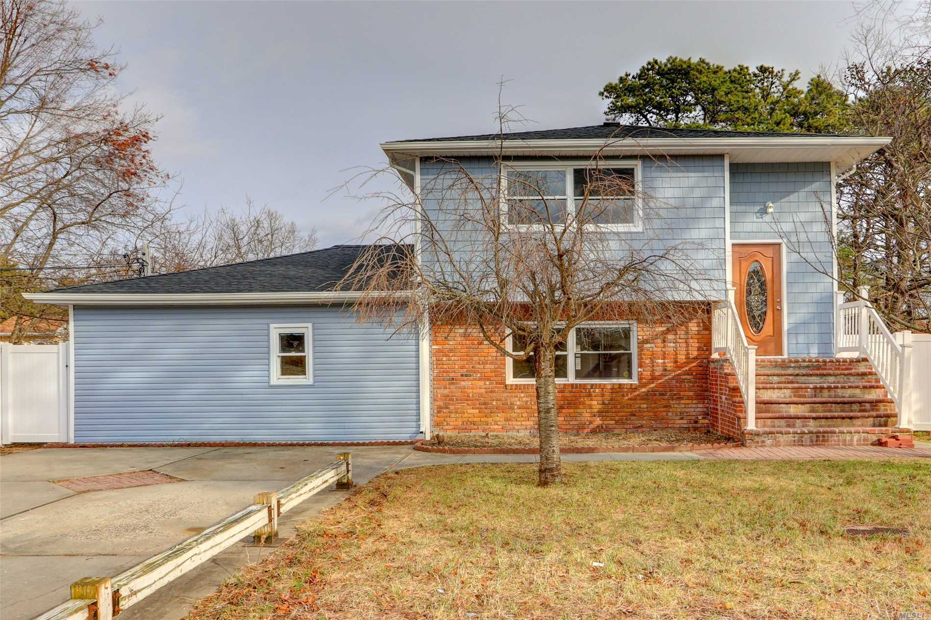 Residential For Sale in 59 Pinewood Ave, Central Islip, NY ,11722