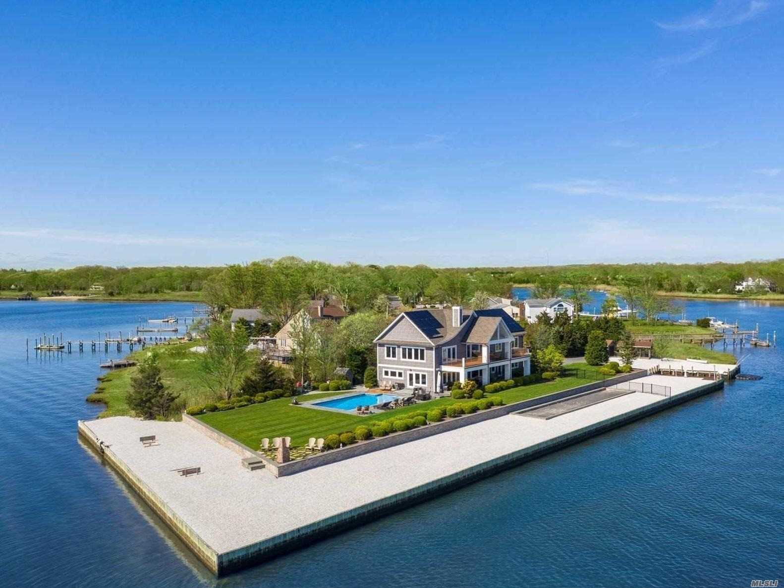 Residential For Sale in 150 Crystal Beach Blvd, Moriches, NY ,11955