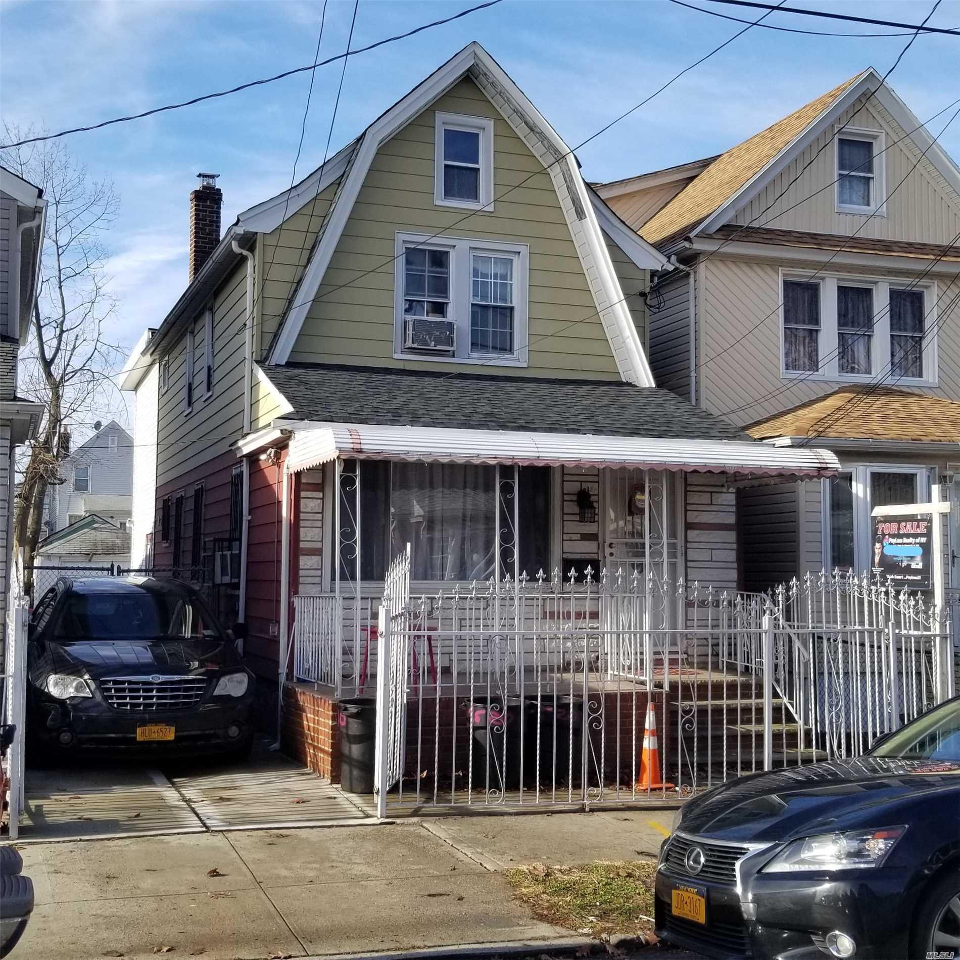 Residential For Sale in 95-20 131st St, Richmond Hill S., NY ,11419
