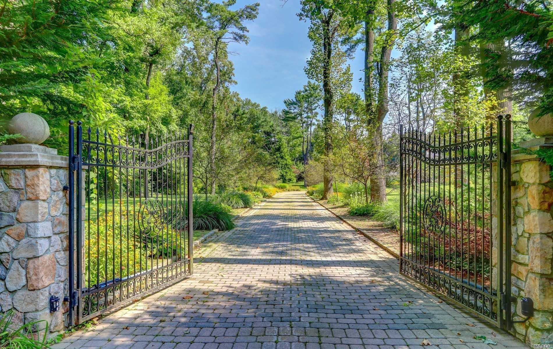 Residential For Sale in 75A Bacon Road, Old Westbury, NY ,11568