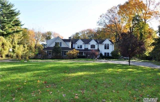Residential For Sale in 60 Snake Hill Rd, Cold Spring Hrbr, NY ,11724