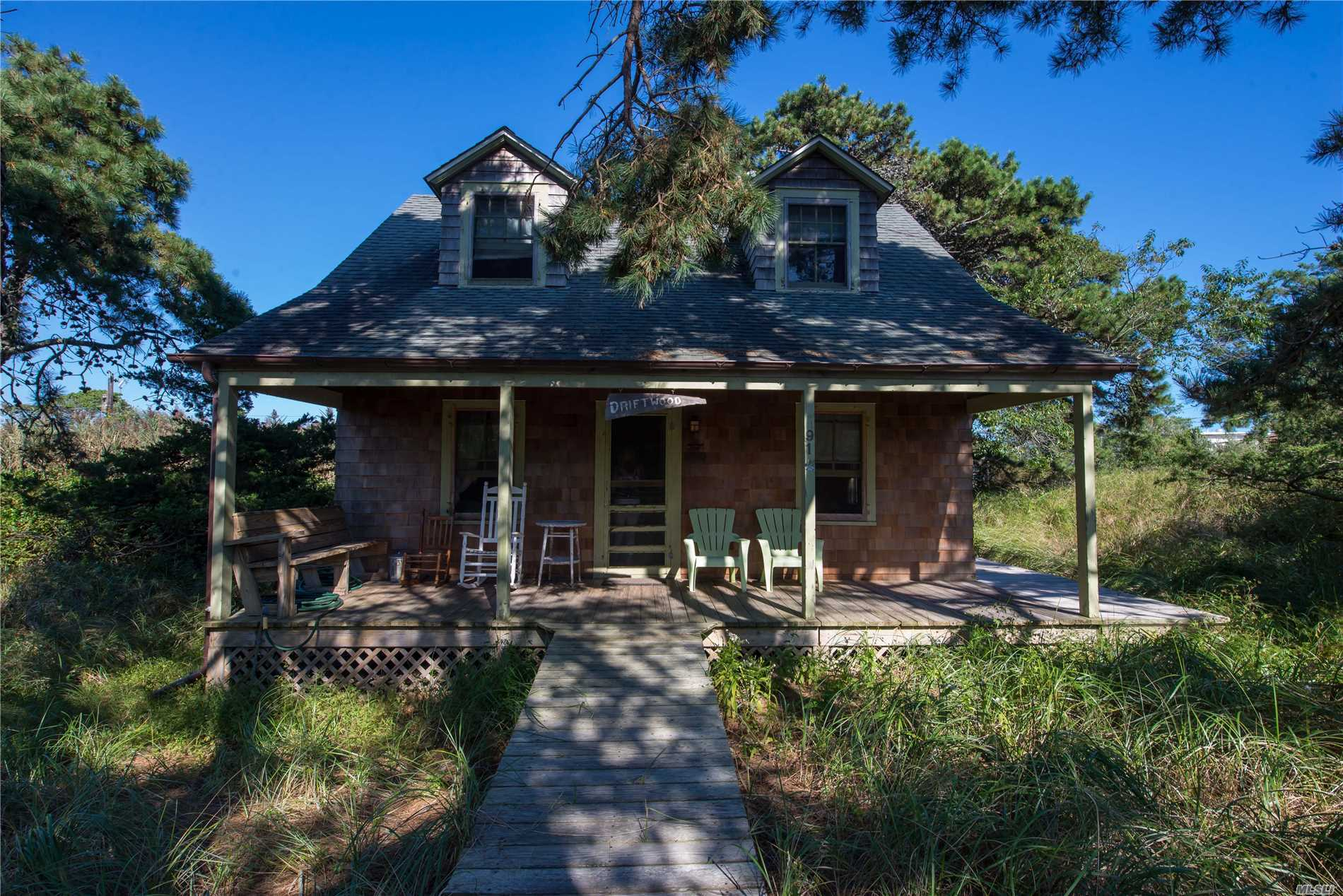 Residential For Sale in 91 Clipper Rd, Ocean Beach, NY ,11770
