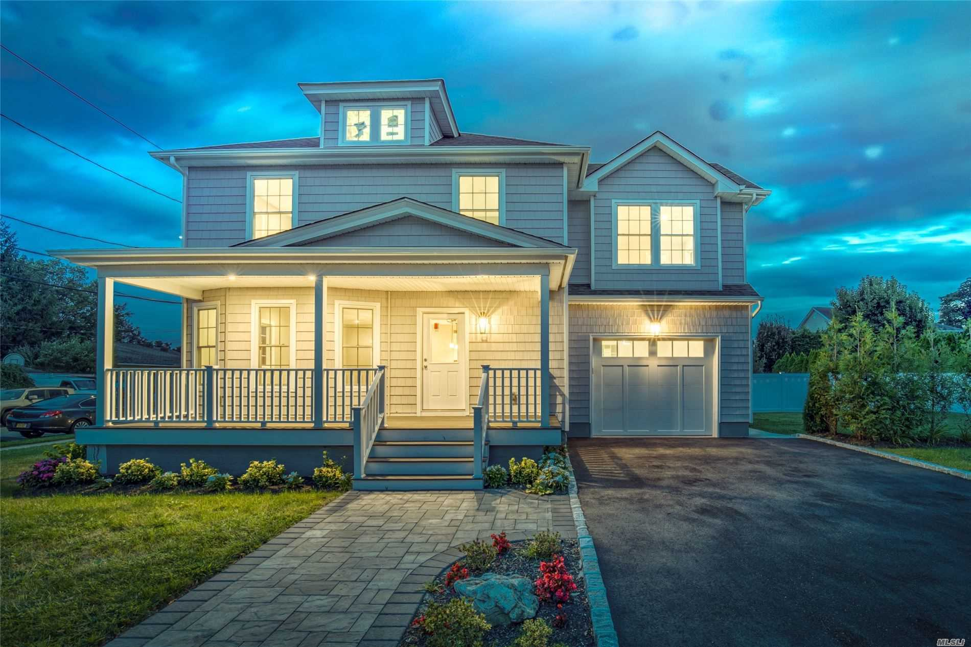 Residential For Sale in 12 Central Blvd, Bethpage, NY ,11714