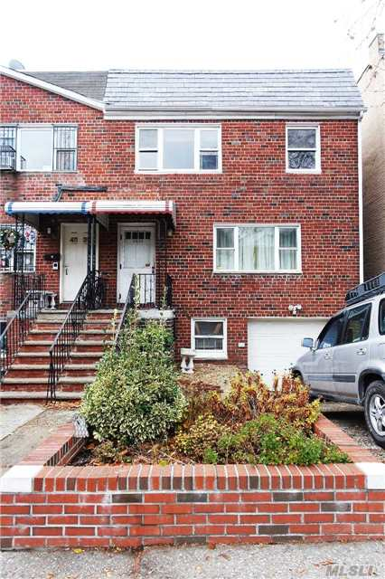 Residential For Rent in 48-34 38 St, Long Island City, NY ,11101