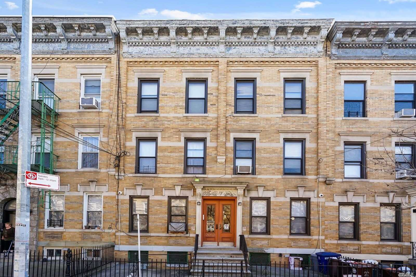 Residential For Sale in 20-52 Gates Ave, Ridgewood, NY ,11385