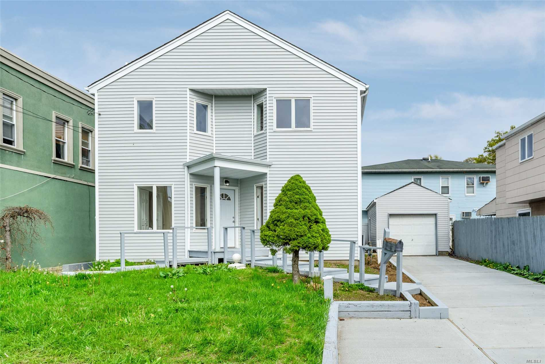 Residential For Sale in 1139 Long Beach Rd, S. Hempstead, NY ,11550