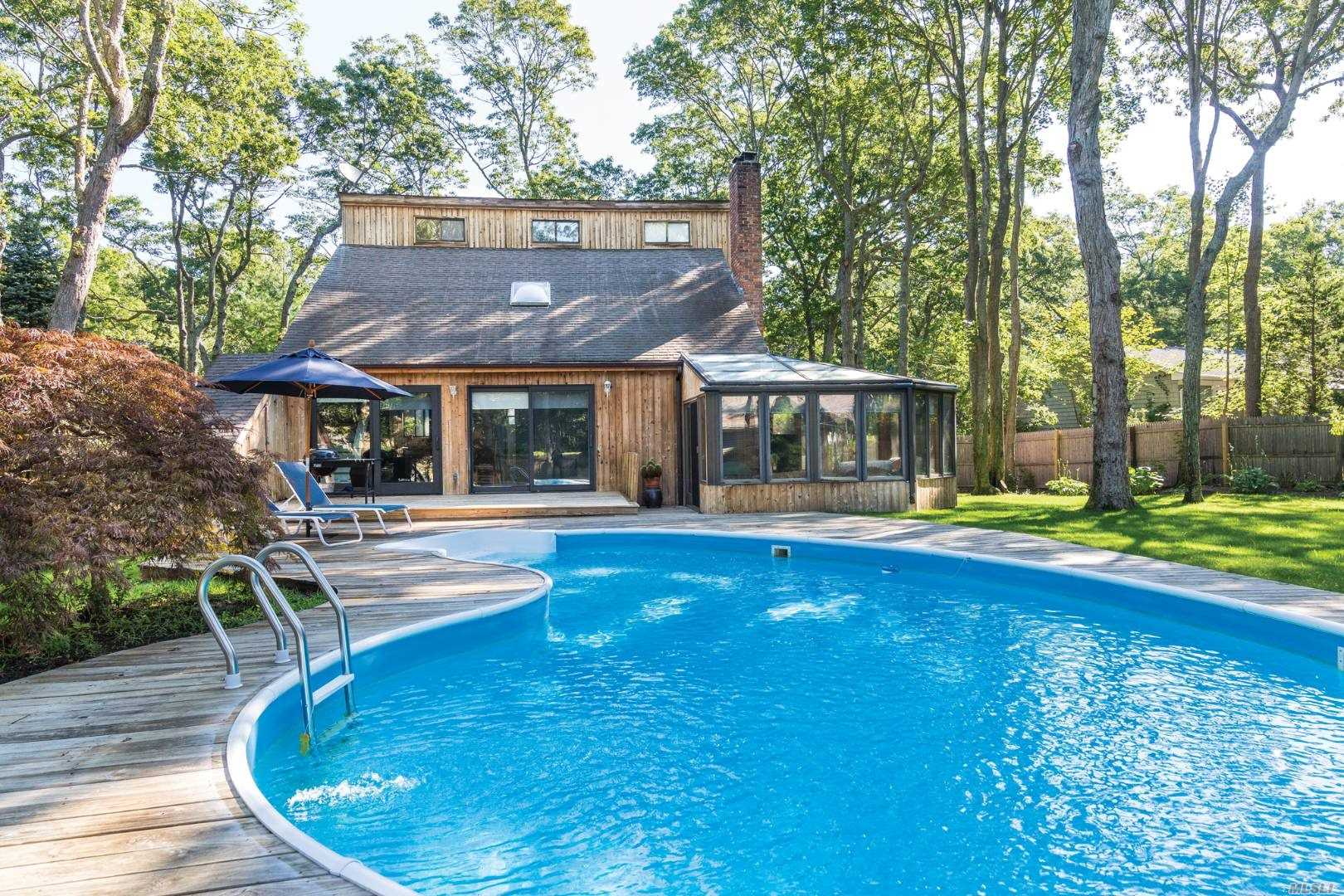 Residential For Sale in 60 Gardiner Avenue, East Hampton, NY ,11937