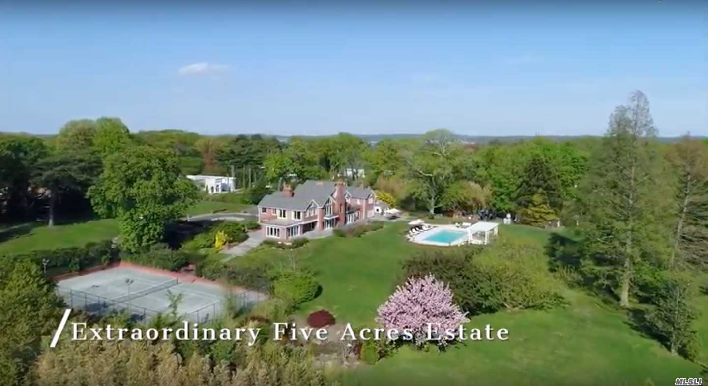 Residential For Sale in 198 Kings Point Rd, Great Neck, NY ,11024