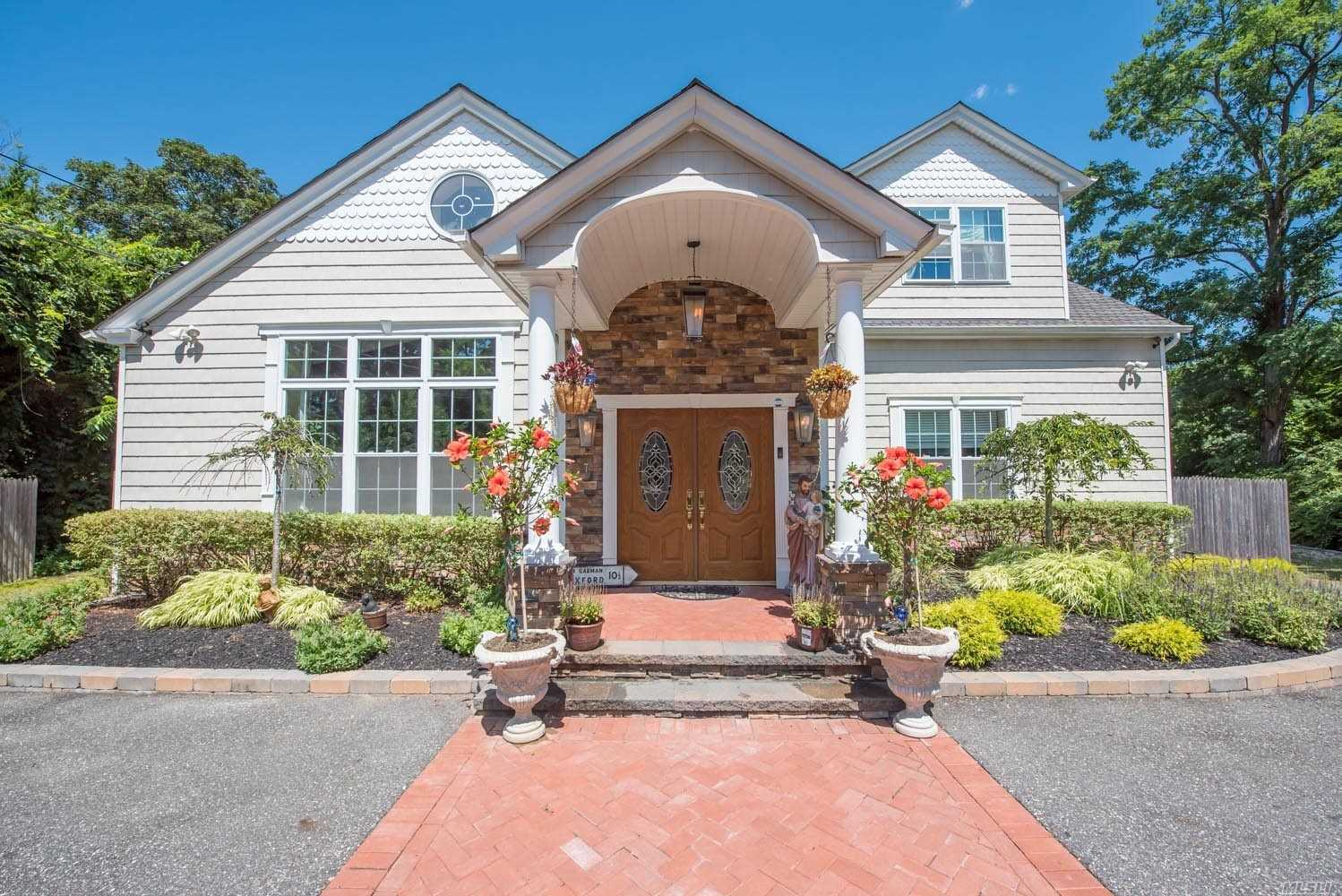 Residential For Sale in 47 Old S Country Rd, Brookhaven, NY ,11719