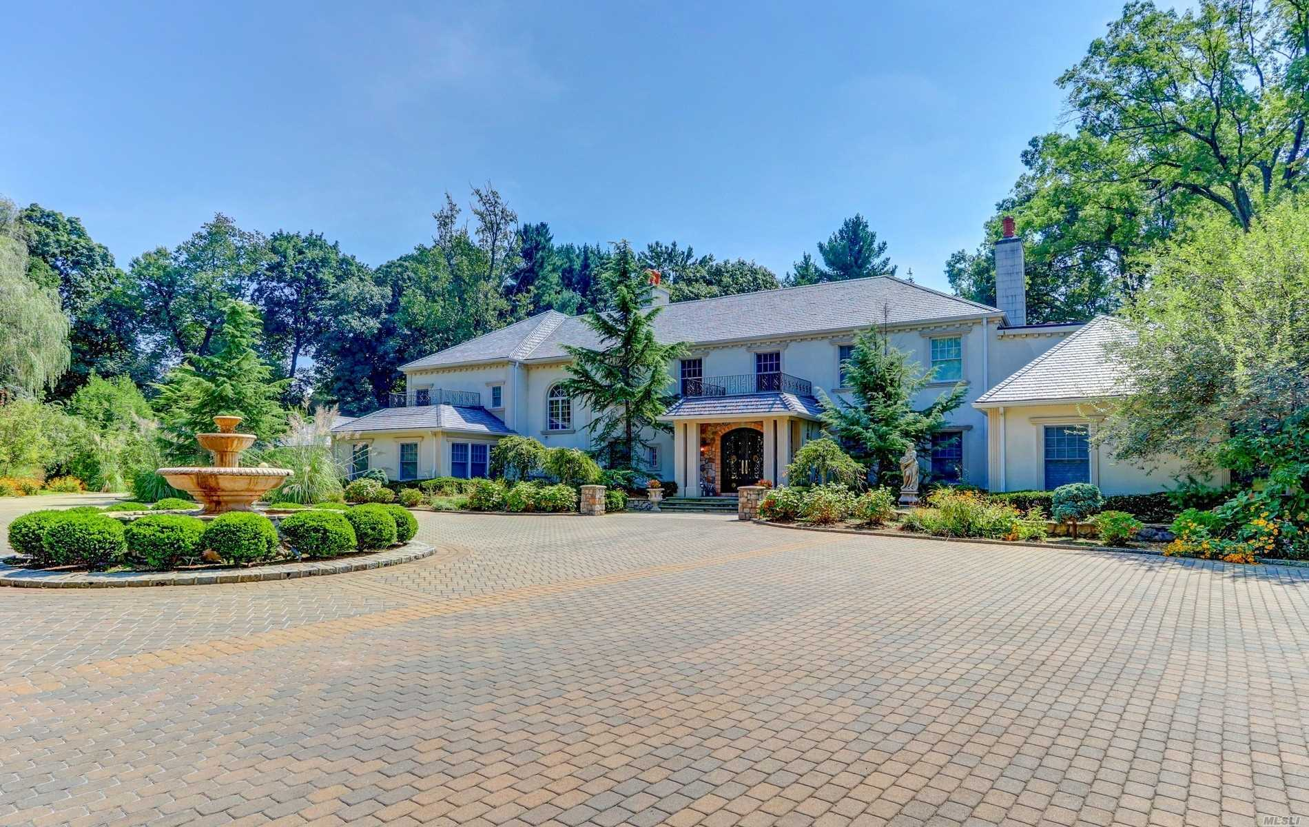 Residential For Sale in 75 Bacon Road, Old Westbury, NY ,11568