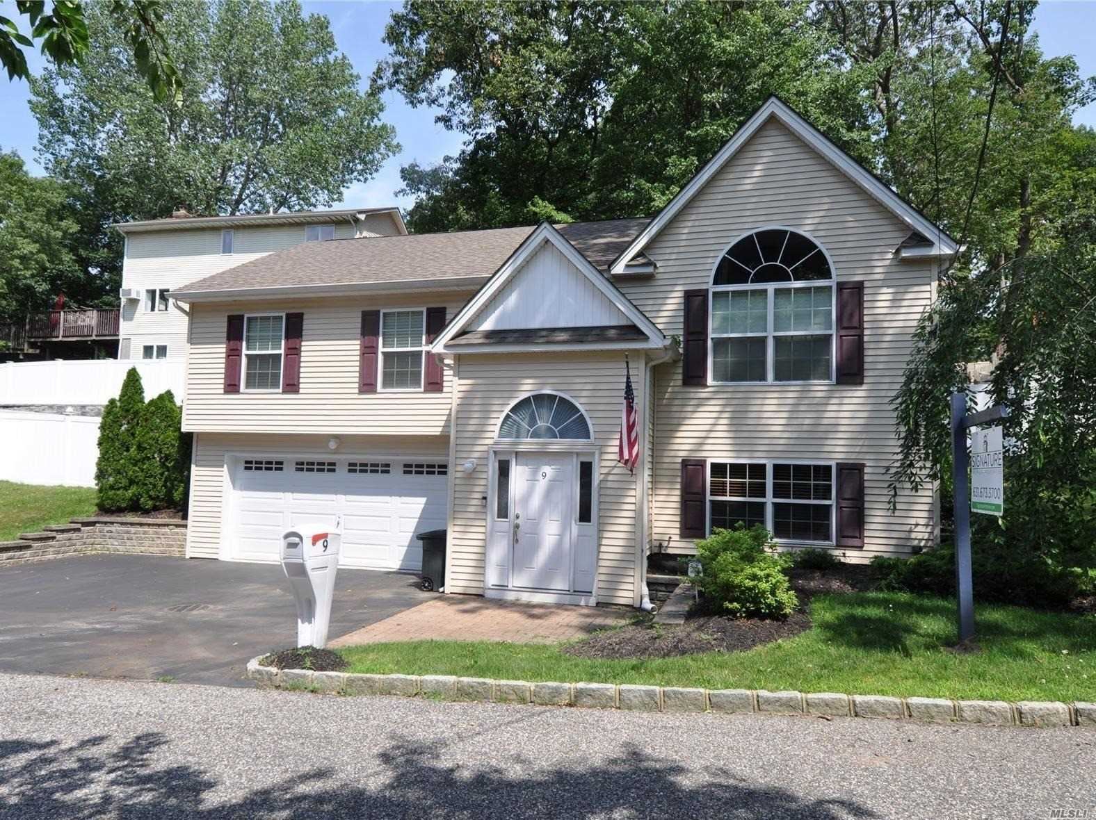Residential For Sale in 9 Medford Rd, Sound Beach, NY ,11789