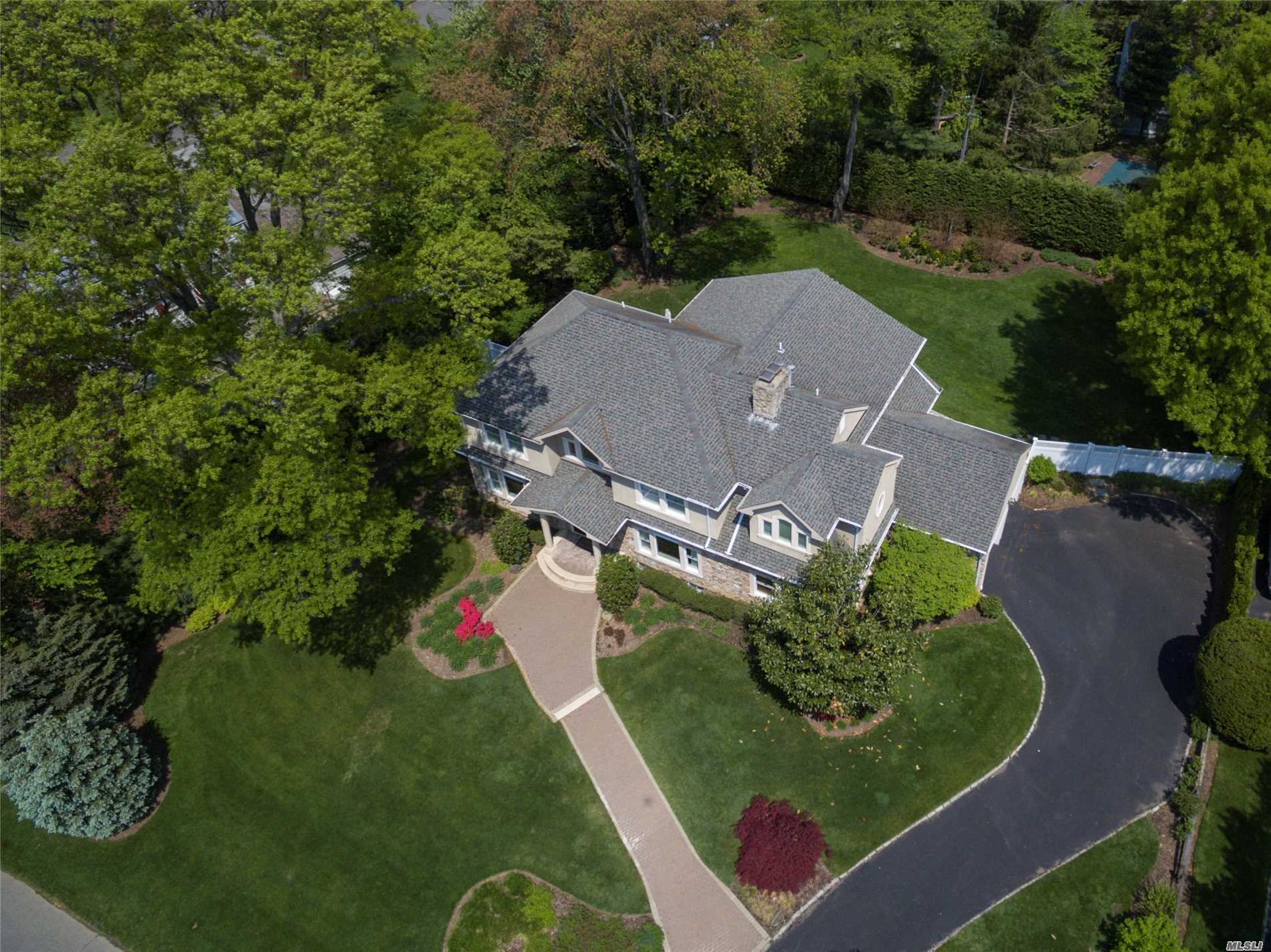 Residential For Sale in 4 Brookside Dr, Port Washington, NY ,11050