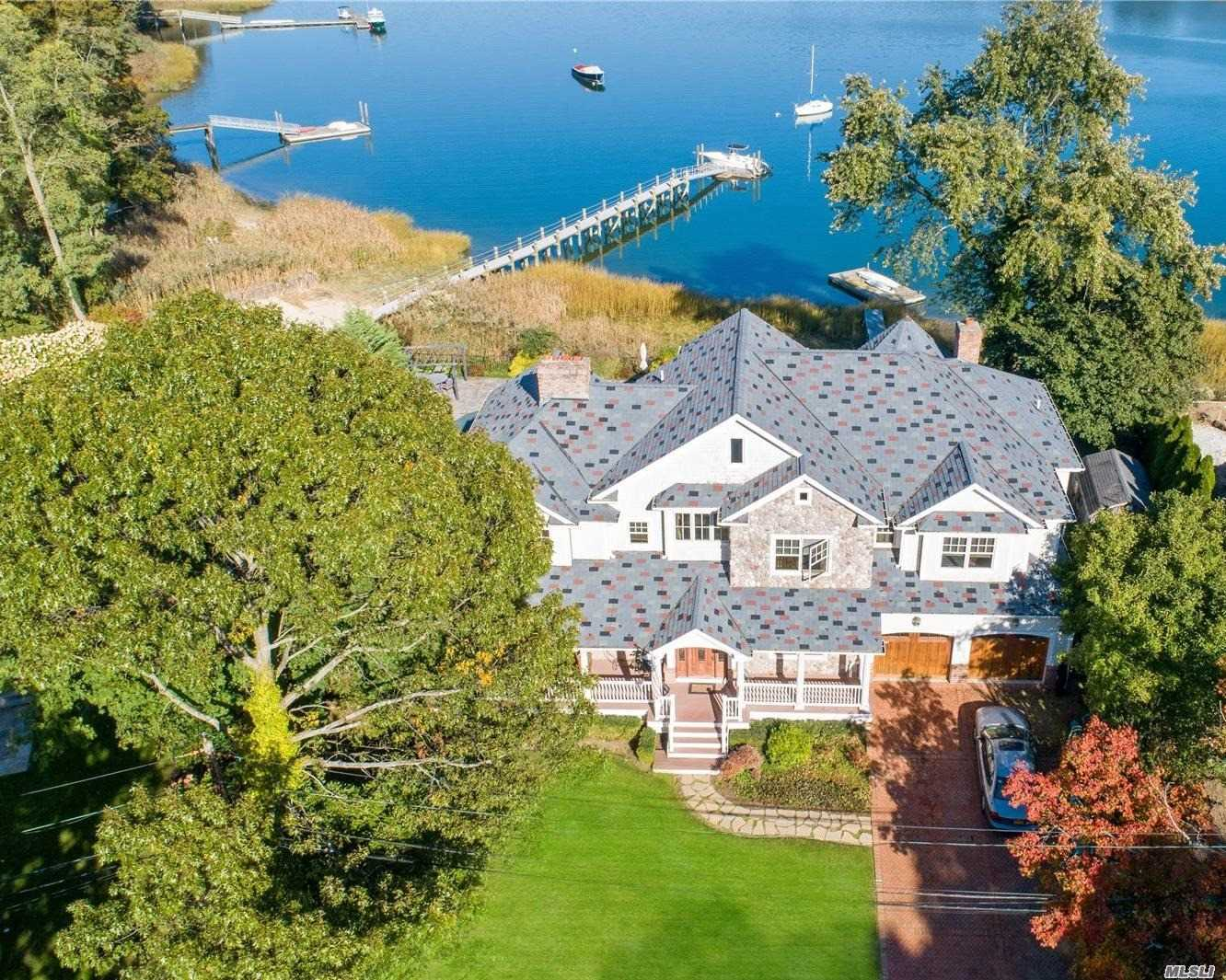 Residential For Sale in 28 Sea Spray Dr, Centerport, NY ,11721
