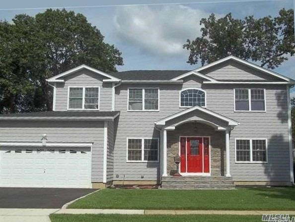 Residential For Sale in 201 1st Ave, Massapequa Park, NY ,11762