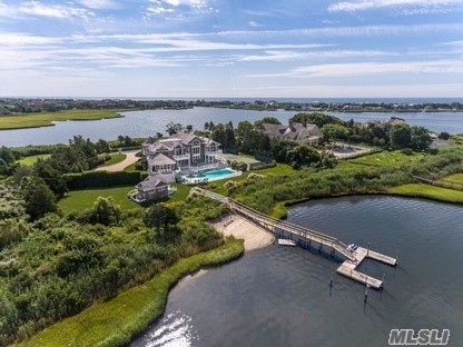 Residential For Sale in 39 Meadow, Quogue, NY ,11959