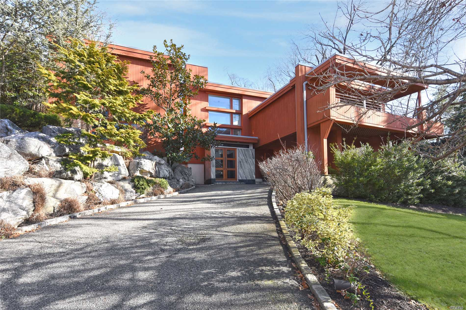 Residential For Sale in 121 Huntington Rd, Port Washington, NY ,11050
