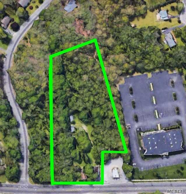 Commercial for sale in 61 Main Rd, Riverhead, NY ,11901