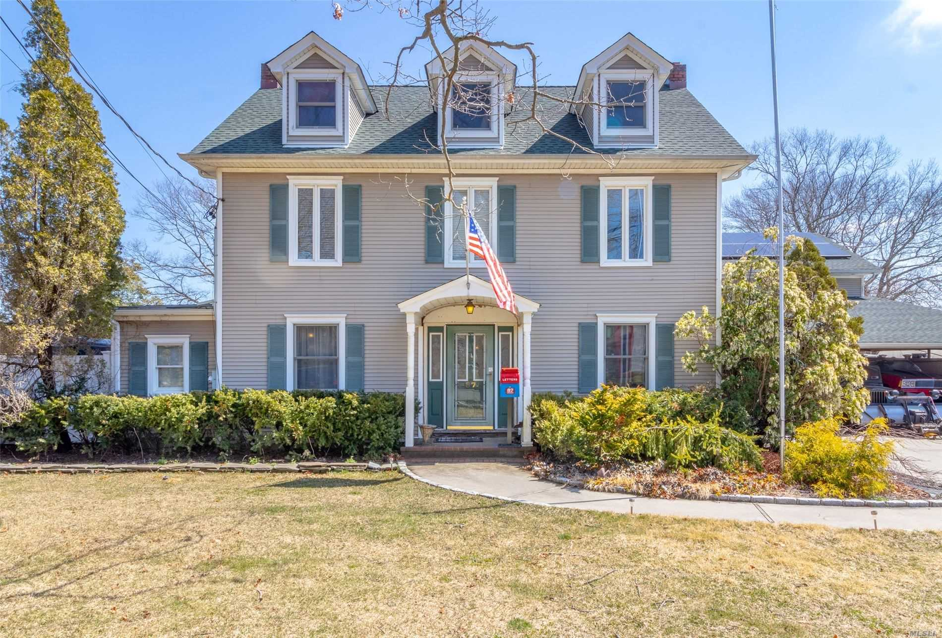 Residential For Sale in 87 Swan Lake Dr, Patchogue, NY ,11772