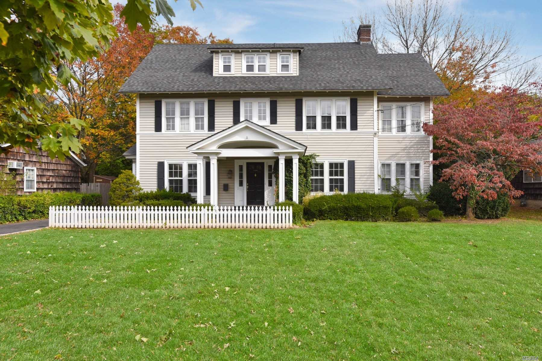 Residential For Sale in 8 Woodmere Boulevard S, Woodmere, NY ,11598