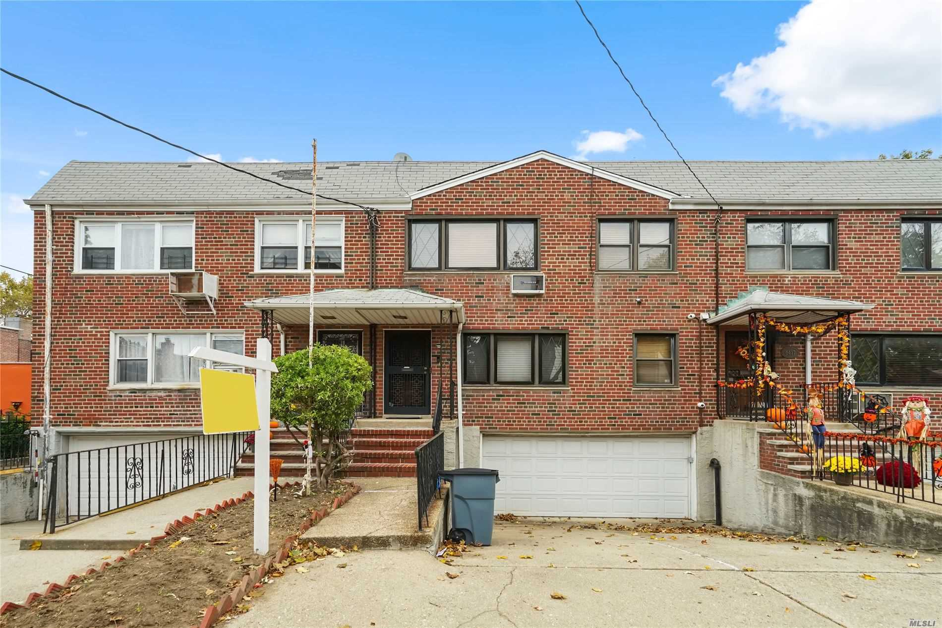 Residential For Sale in 64-15 82nd Pl, Middle Village, NY ,11379