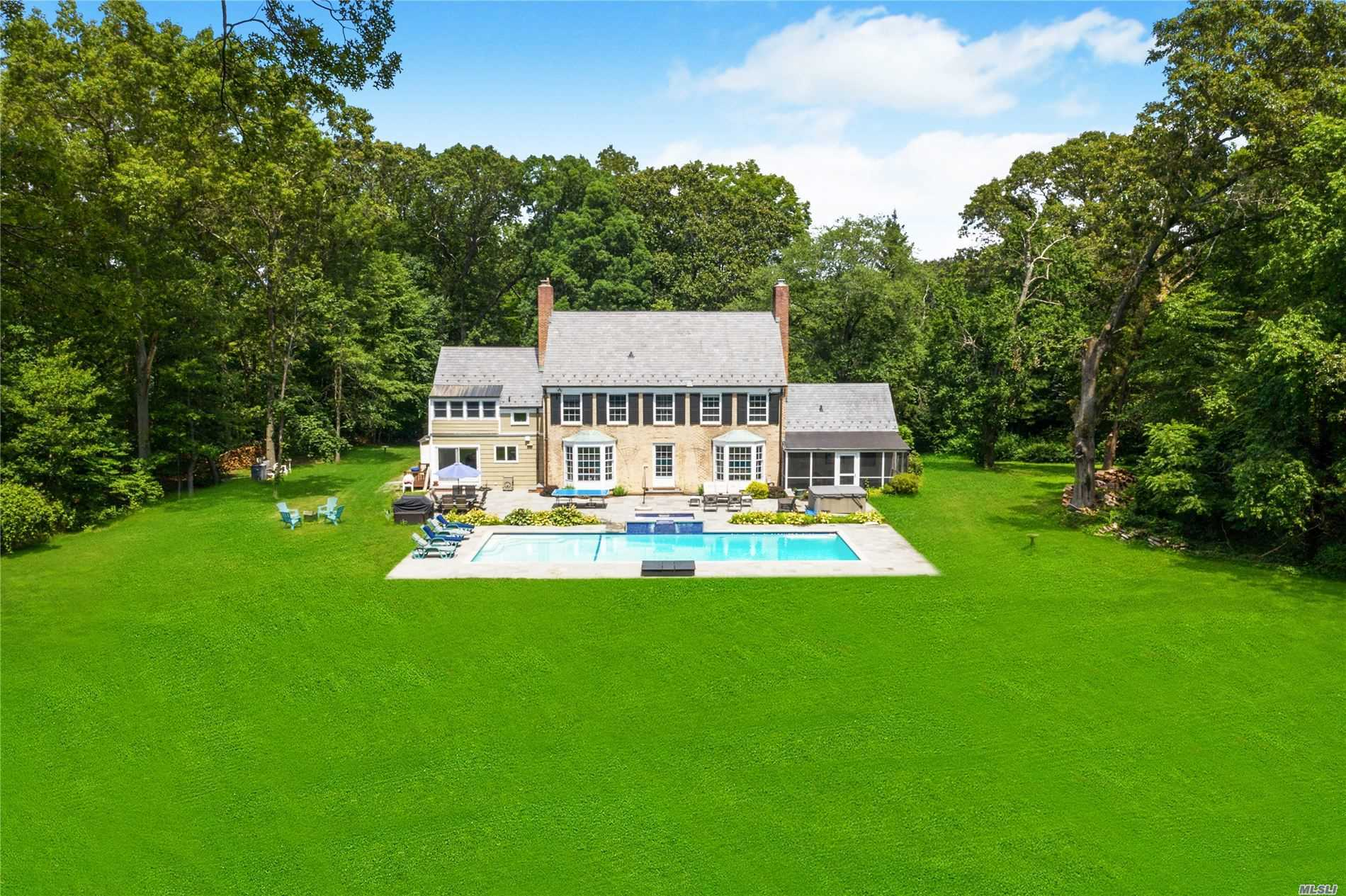 Residential For Sale in 539 Split Rock Rd, Syosset, NY ,11791