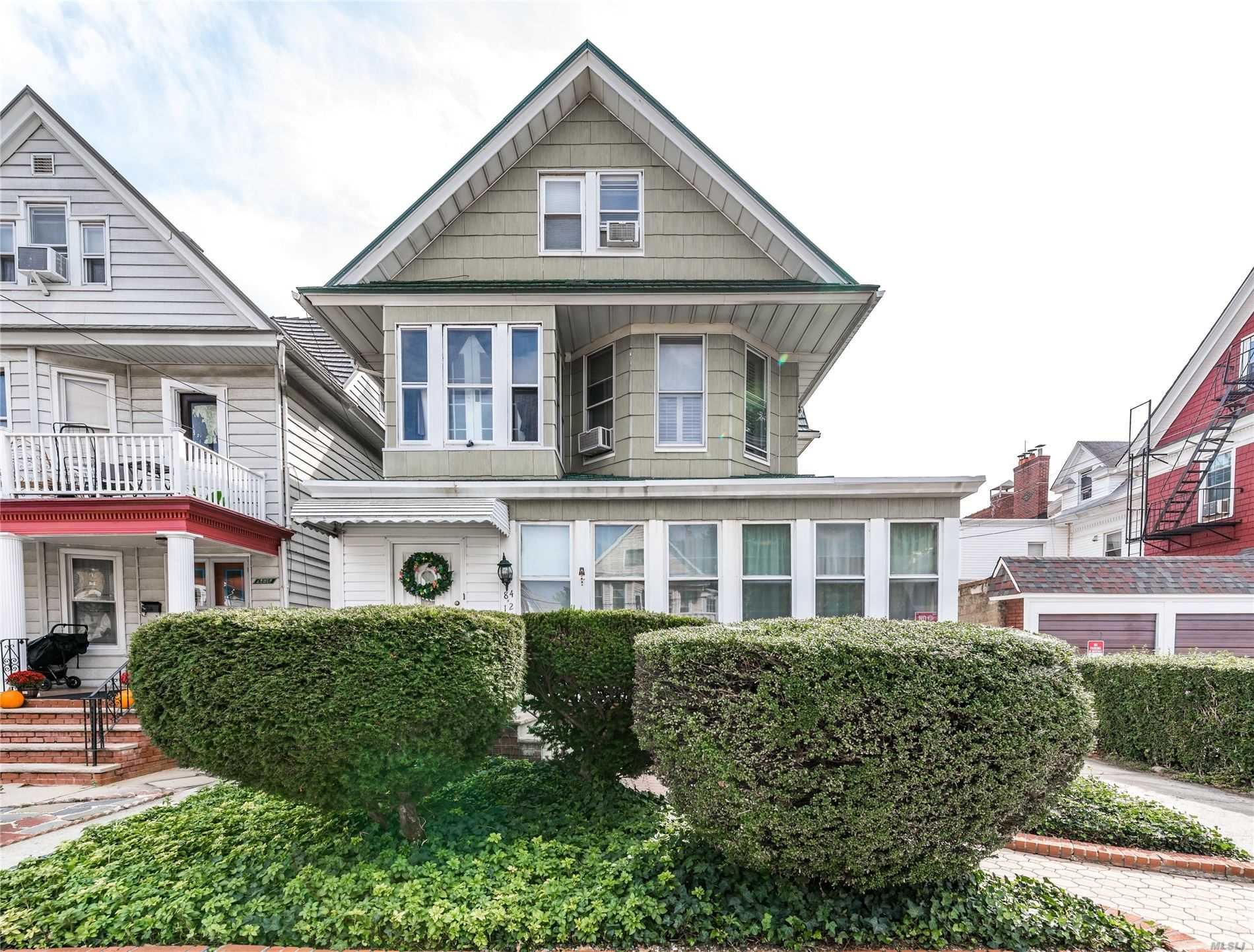 Residential For Sale in 84-12 86th Rd, Woodhaven, NY ,11421