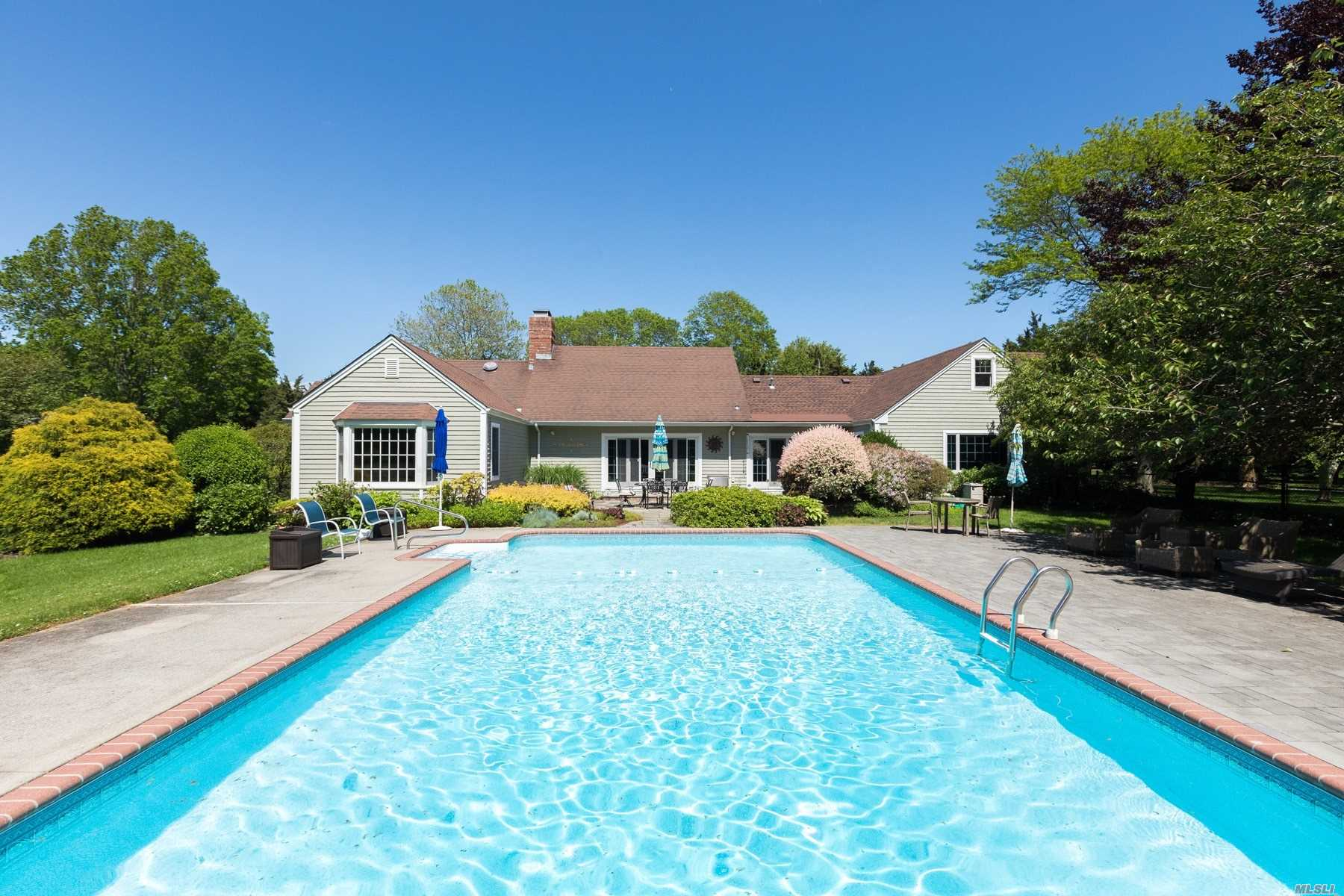 Residential For Sale in 1200 Praity Lane, Cutchogue, NY ,11935