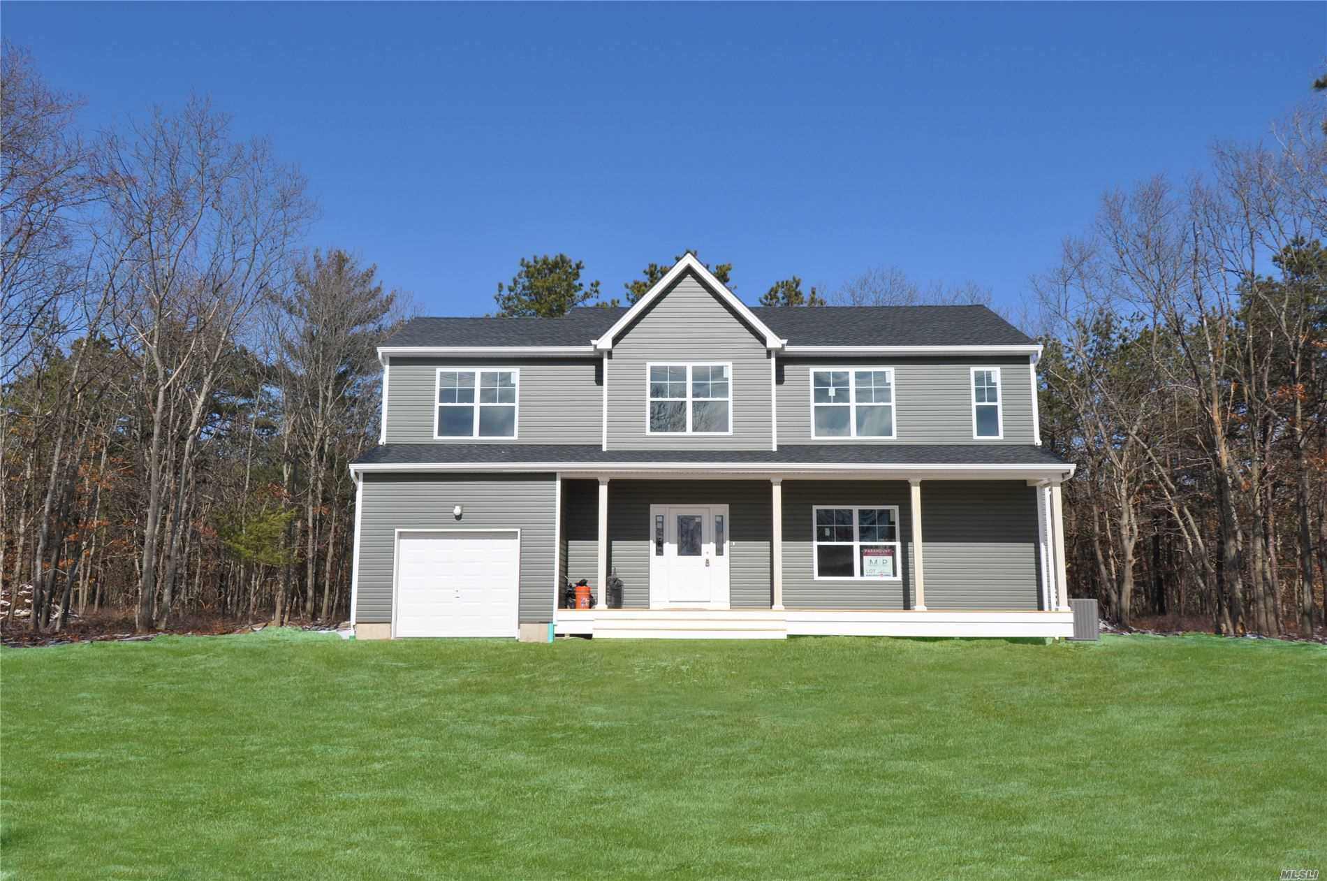 Residential For Sale in lot 3 Hawkins Path, Coram, NY ,11727