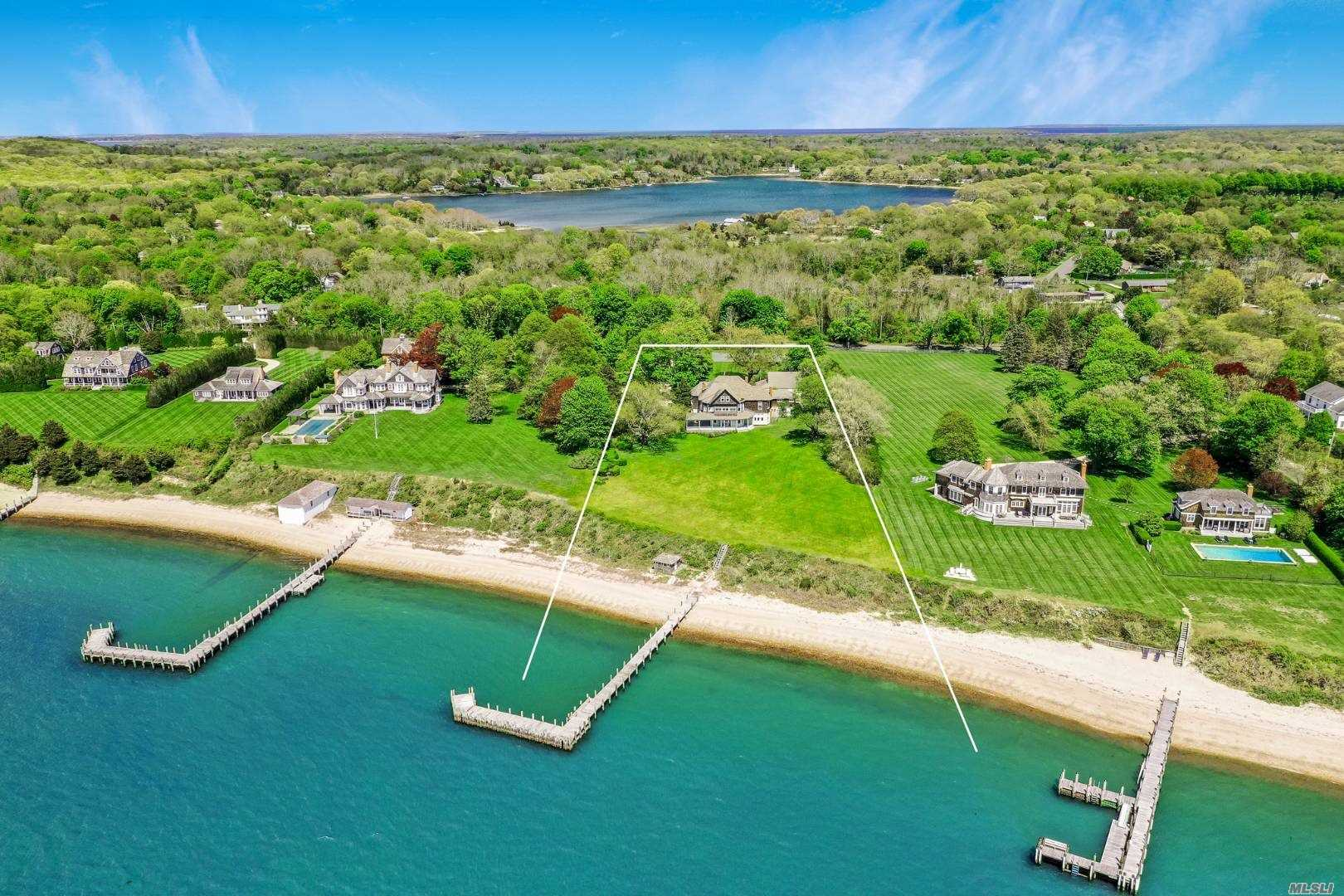Residential For Sale in 5 Nostrand Parkway, Shelter Island, NY ,11964