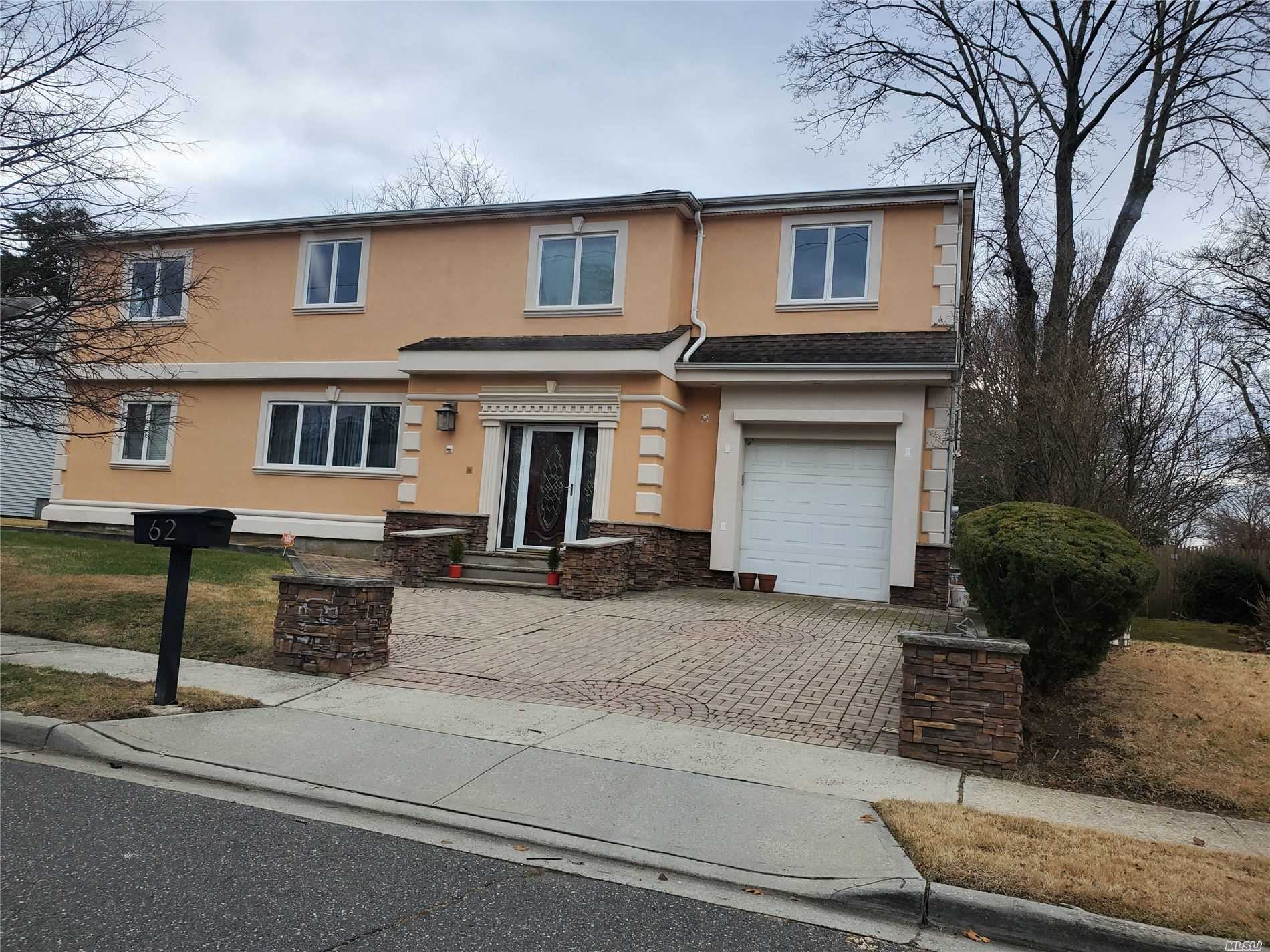 Residential For Sale in 62 Melvin Avenue, W. Hempstead, NY ,11552