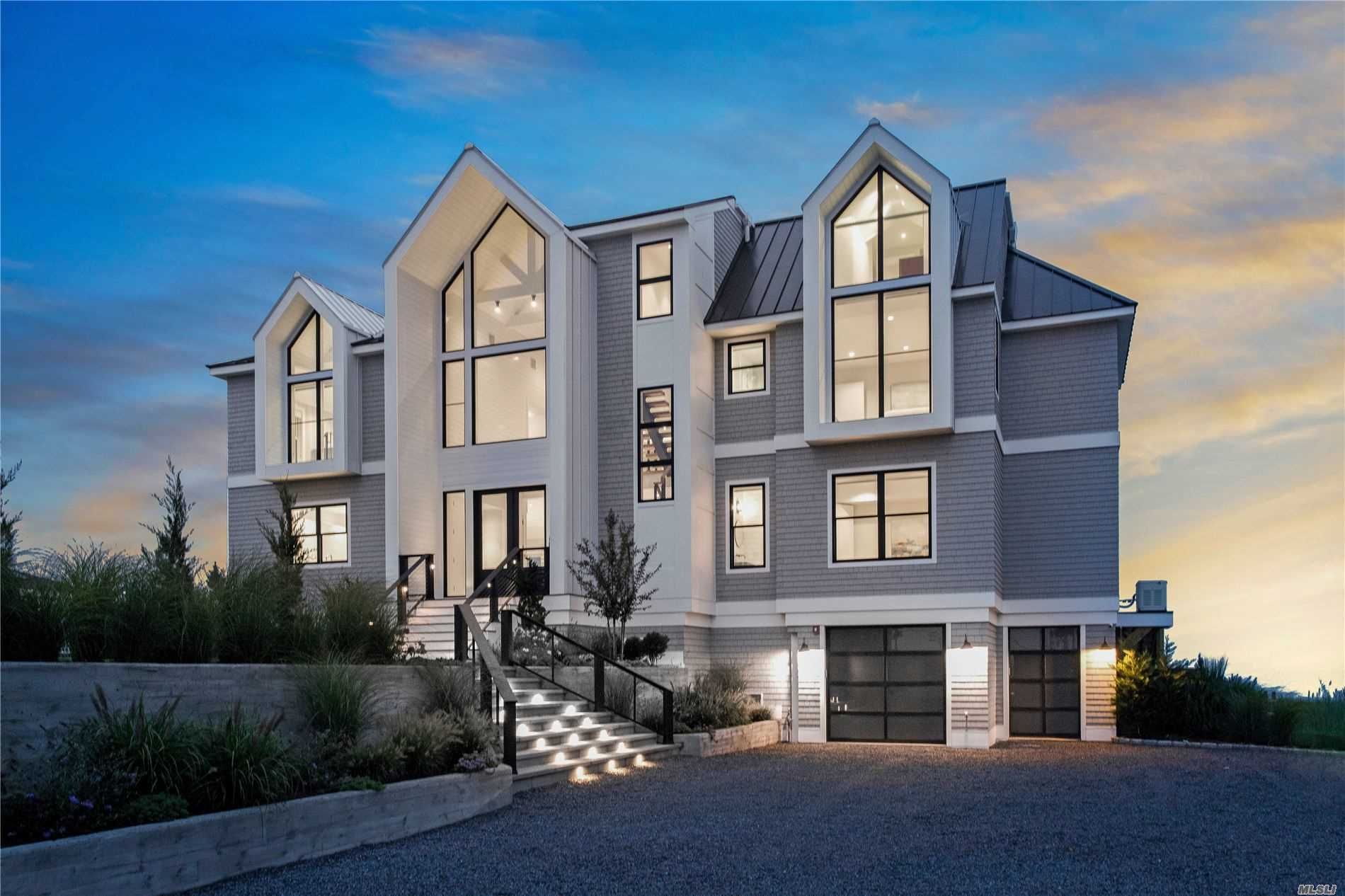 Residential For Sale in 20 Cove Ln, Westhampton Bch, NY ,11978