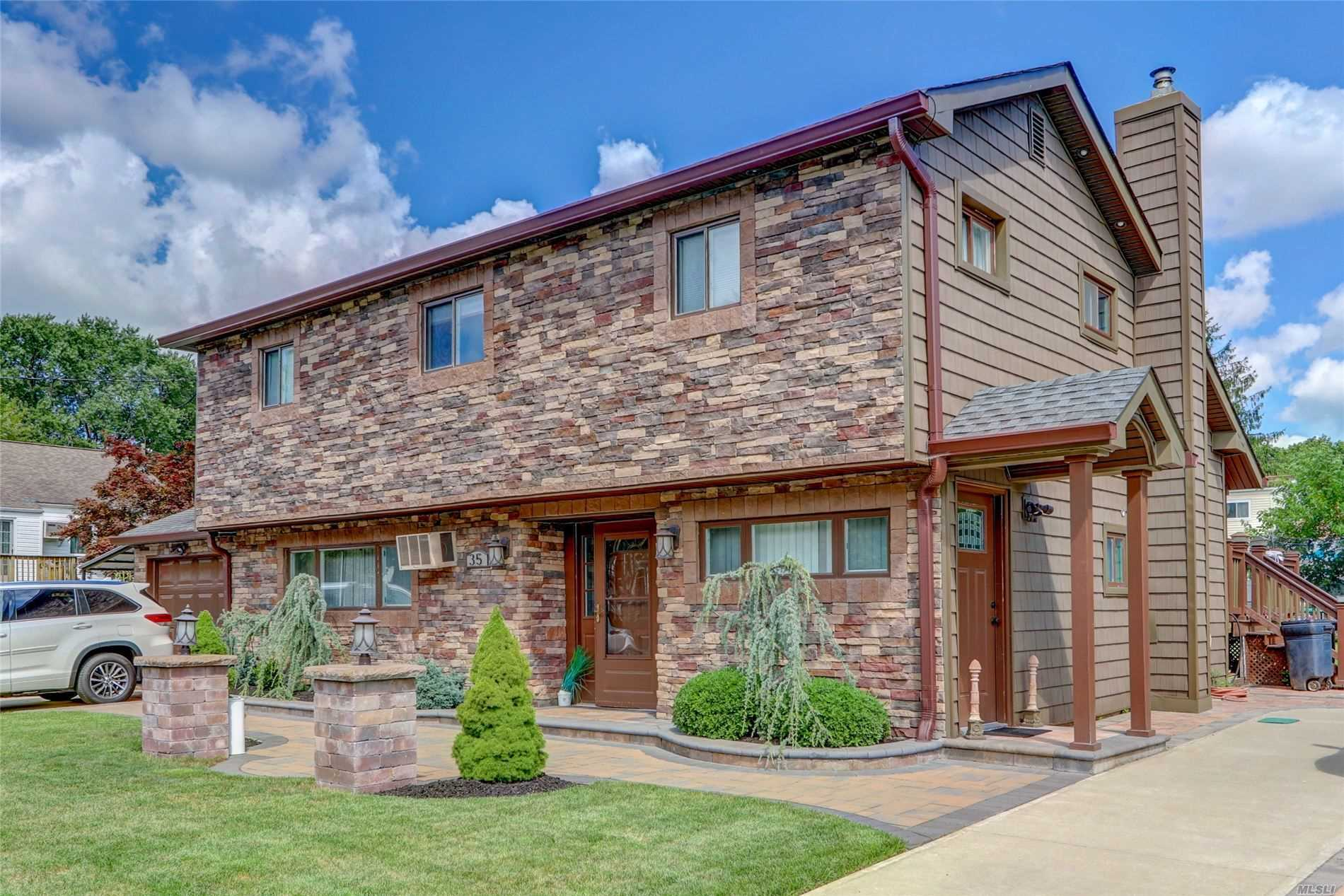 Residential For Sale in 35 Douglass St, Brentwood, NY ,11717