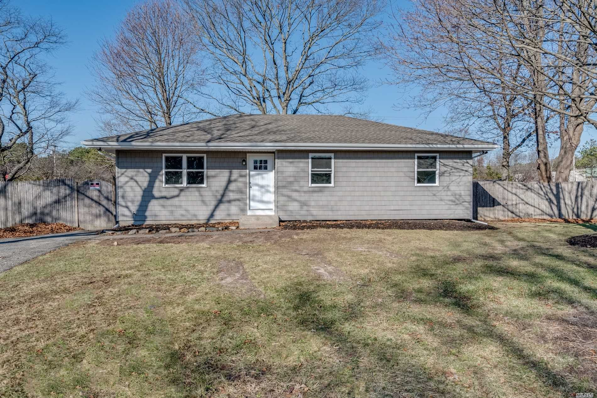 Residential For Sale in 35 Sands Ln, Brookhaven, NY ,11719