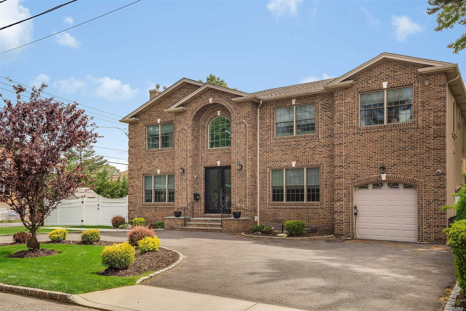 Residential For Sale in 301 Kirby Ave, Woodmere, NY ,11598