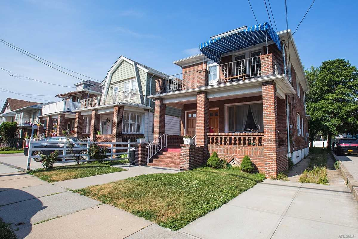 Residential For Sale in 212 Beach 125th St, Rockaway Park, NY ,11694