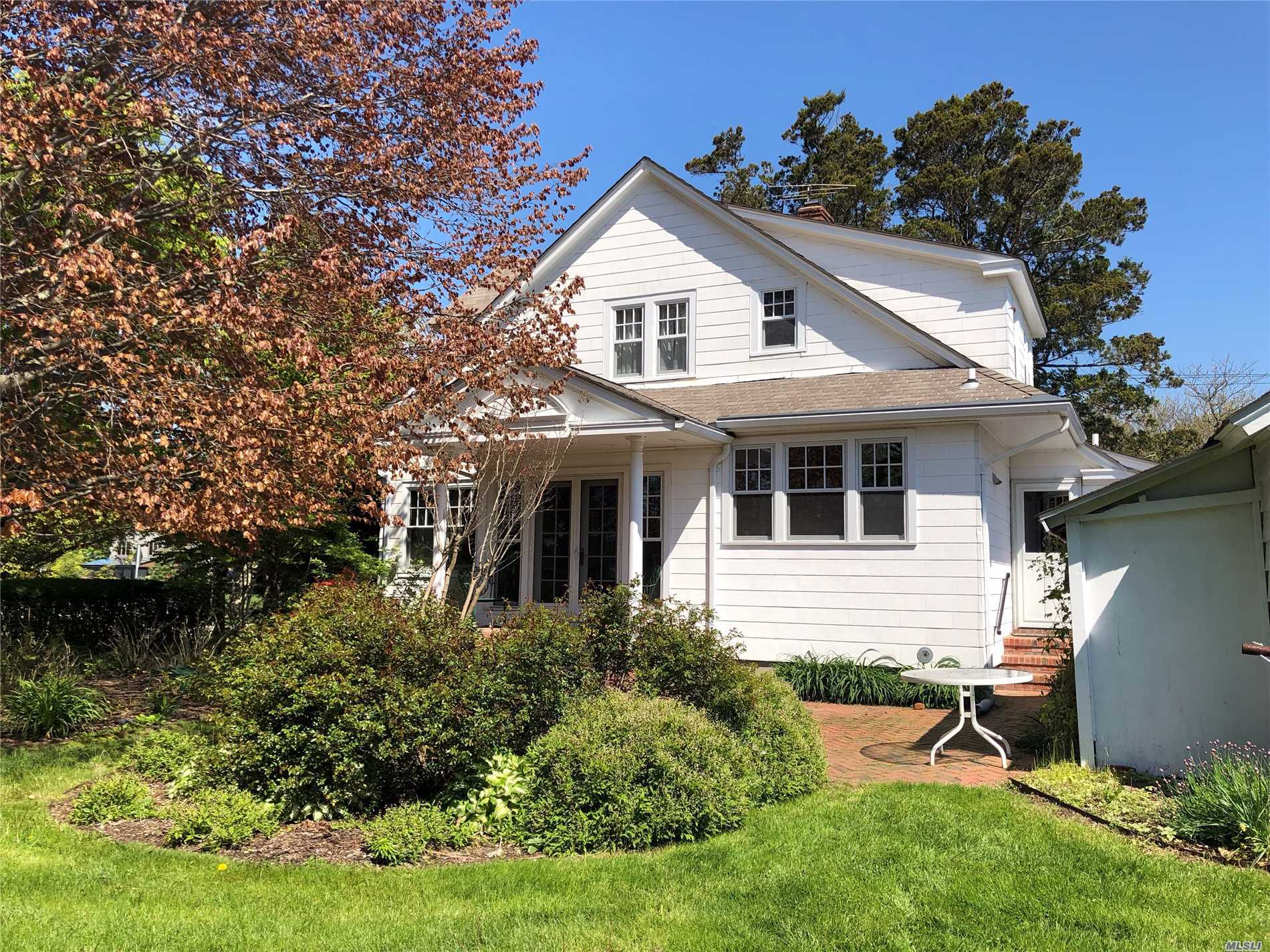 Residential For Sale in 98 Elm St, Sayville, NY ,11782
