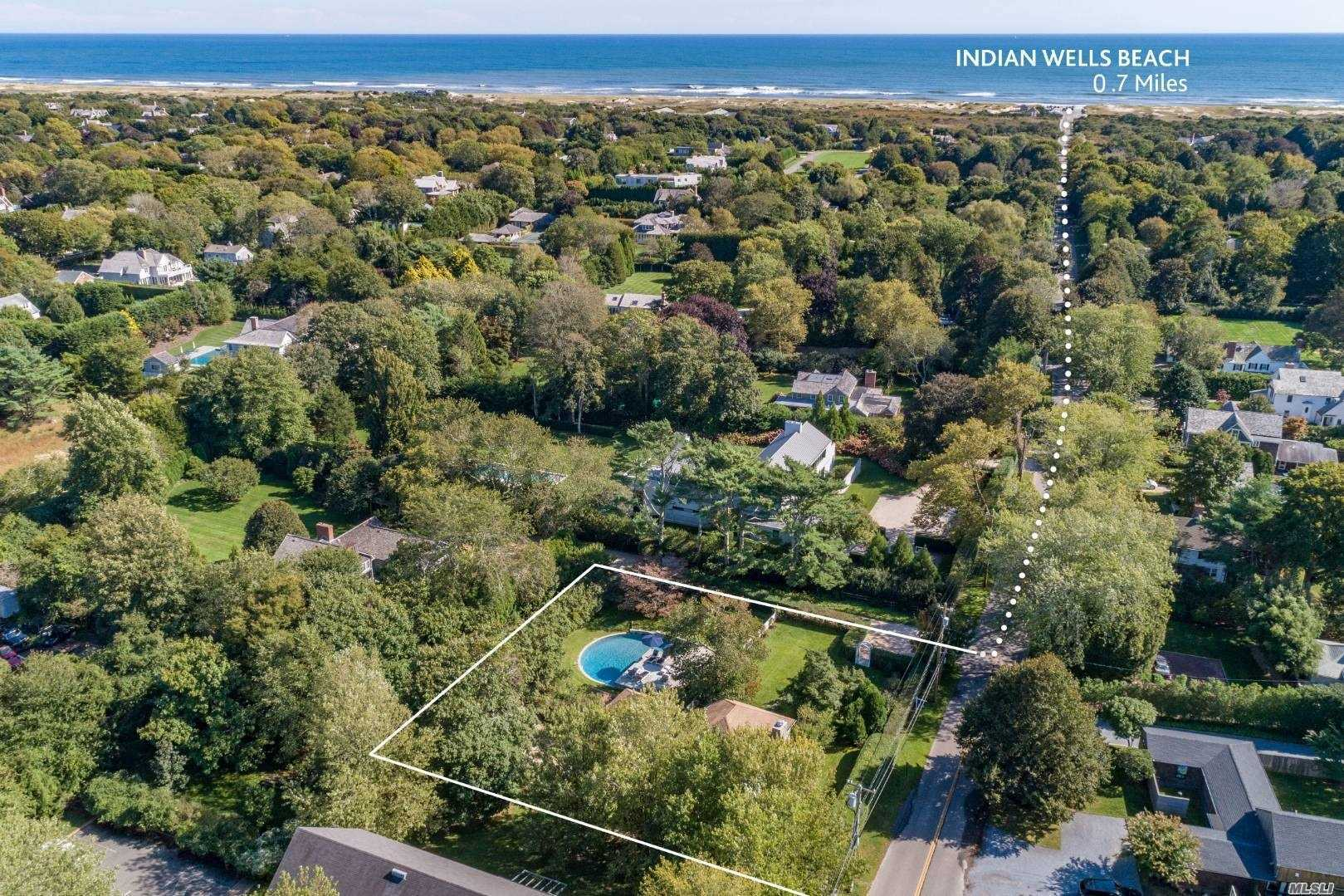 Residential For Sale in 17 Indian Wells Hwy, Amagansett, NY ,11930