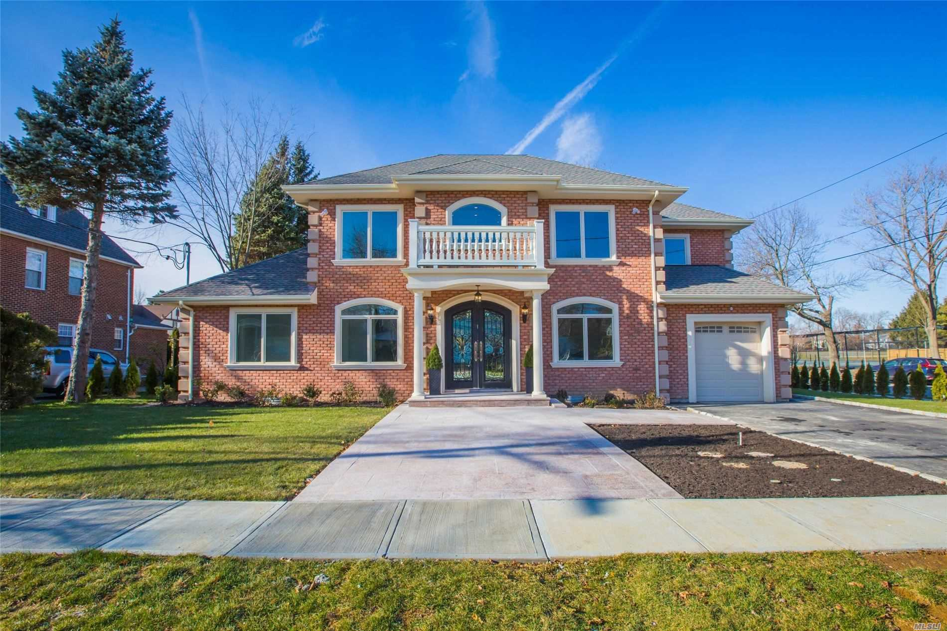Residential For Sale in 66 Essex Rd, Great Neck, NY ,11023