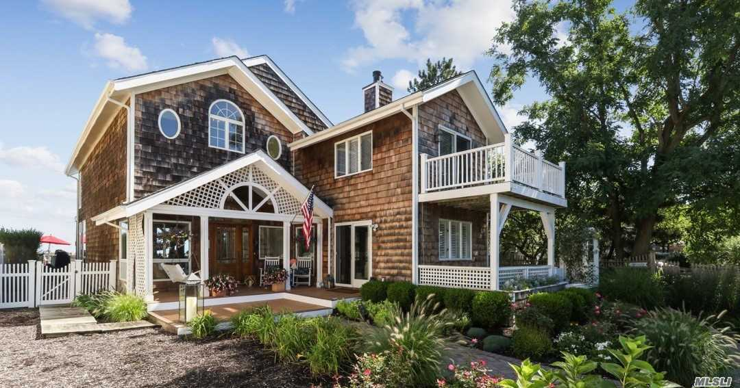 Residential For Sale in 150 Asharoken Ave, Northport, NY ,11768