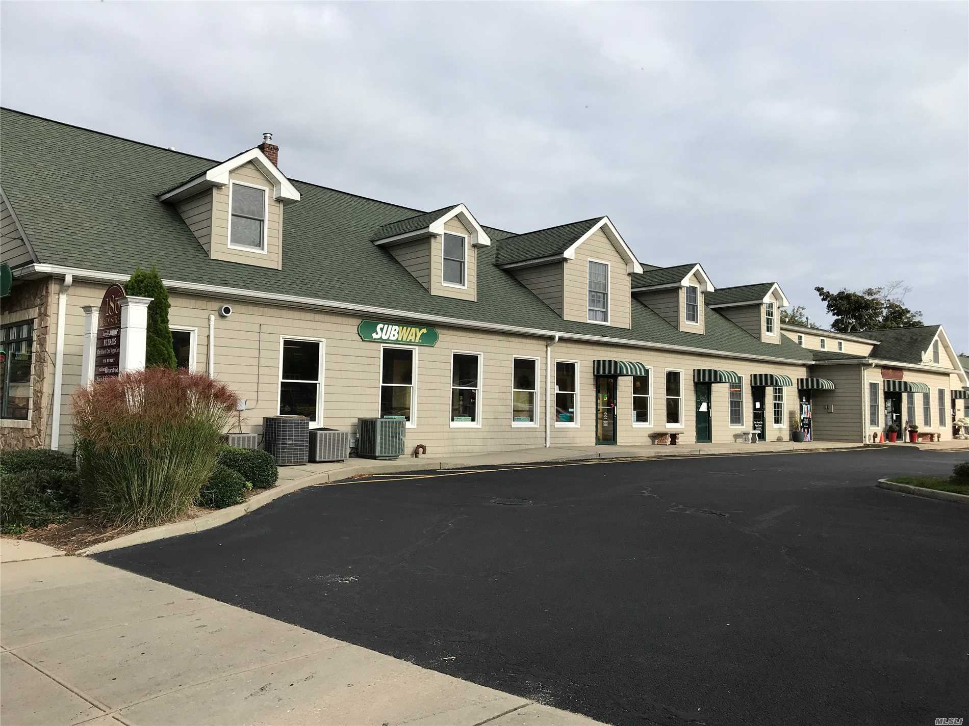 Commercial for sale in 186 Main W St, Sayville, NY ,11782