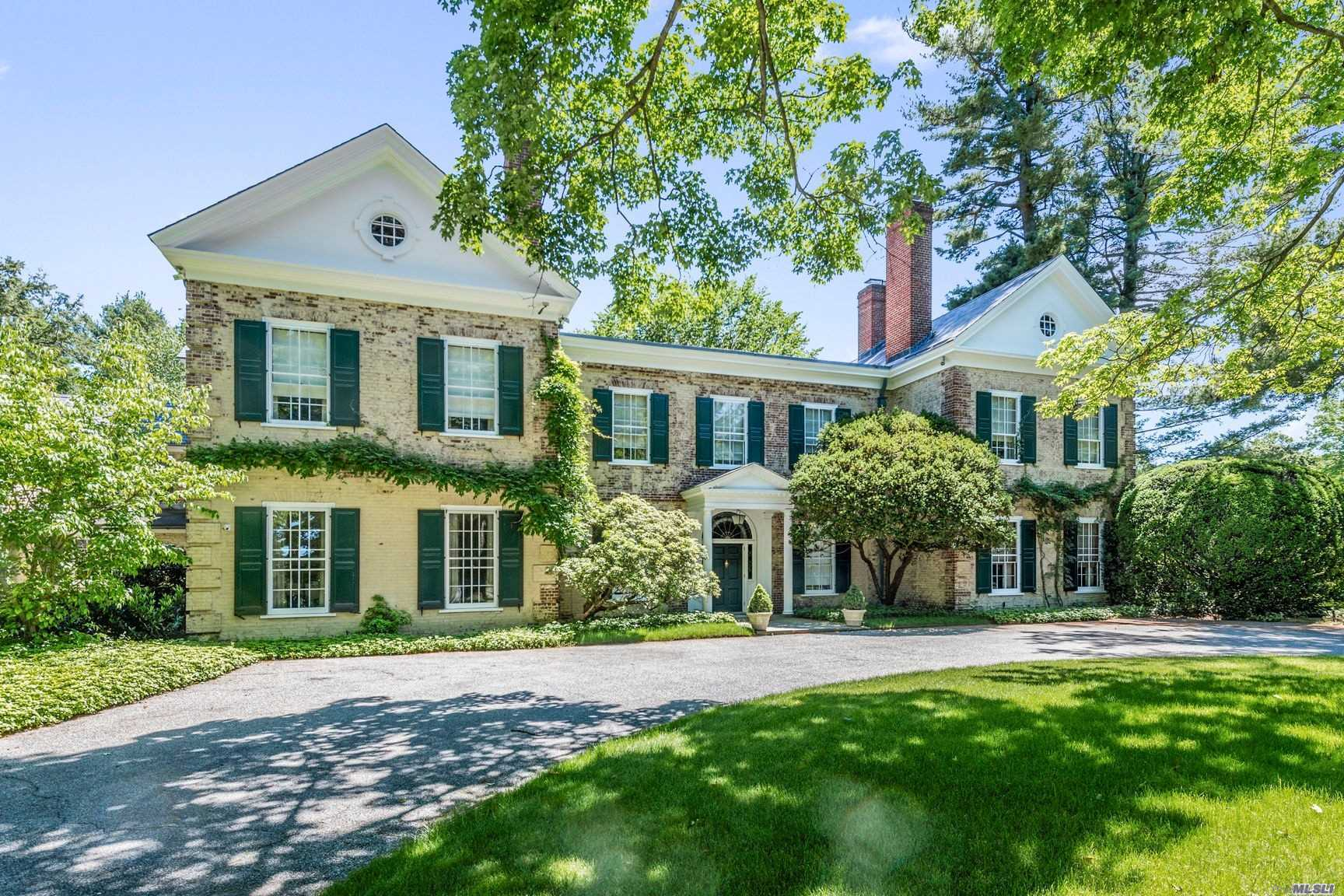 Residential For Sale in 200 Sunset Rd, Oyster Bay Cove, NY ,11771