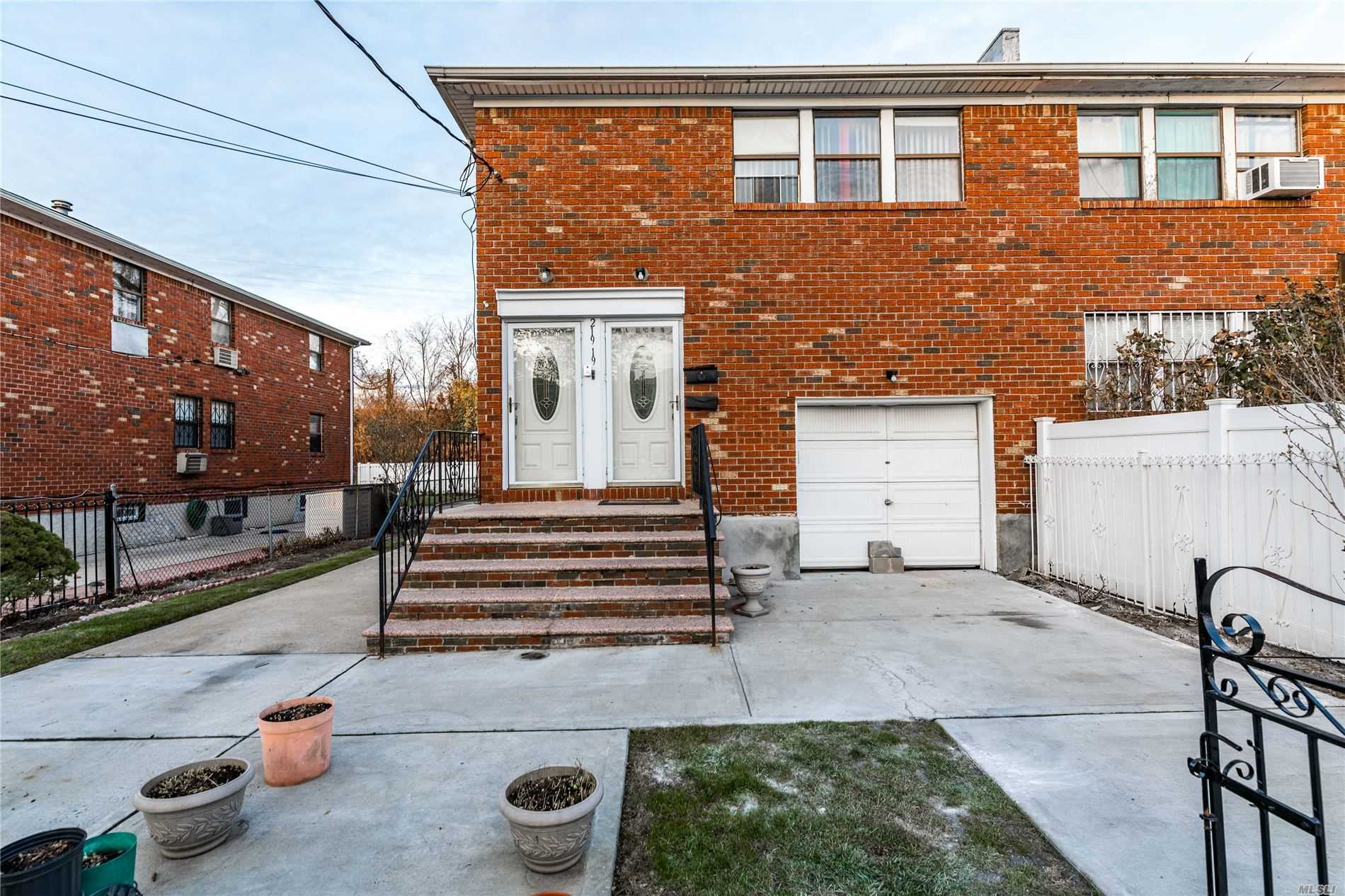 Residential For Sale in 219-19 Edgewood Ave, Springfield Gdns, NY ,11413